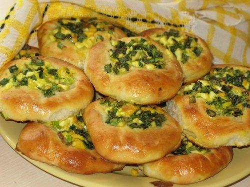 Пирог с рисом яйцом и зеленым луком рецепт с в духовке