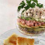 Салат « мясной коктейль»